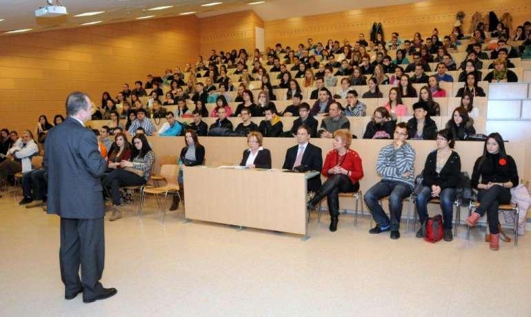 Főiskola
